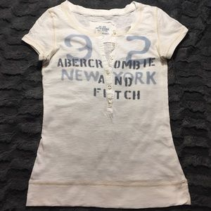 Abercrombie & Fitch Cream T-shirt Small